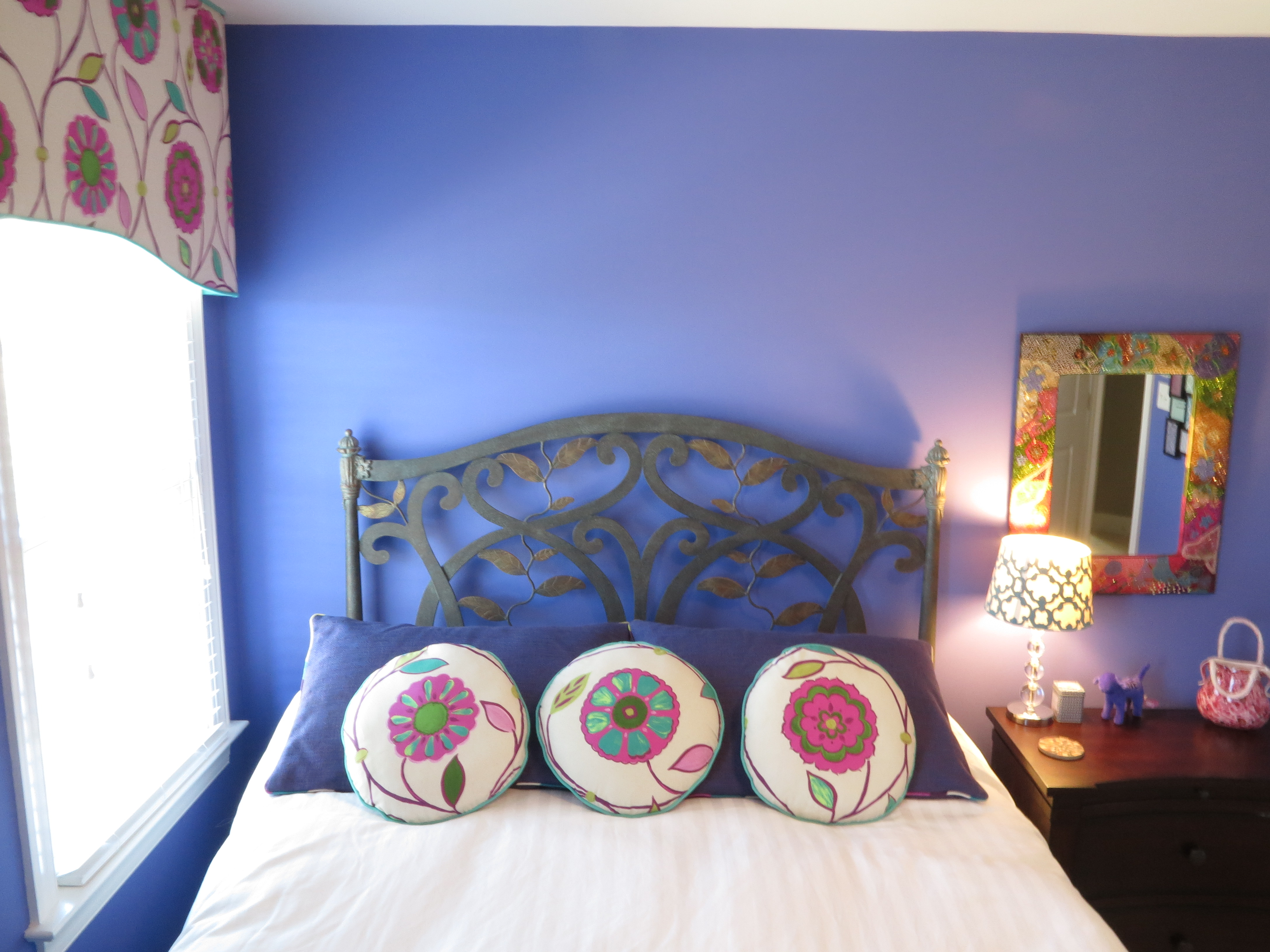 100 A Room With Two Hues 106 Living Decorating
