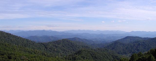 The blue ridge mountain range during the daytime.